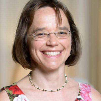 Dr. Alexandra</br>Stein